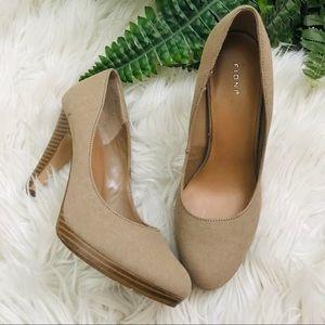 Fioni - Wooden Heels